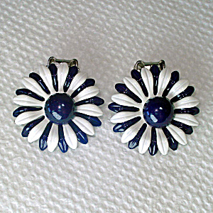 Mod Navy White Enamel Daisy Flower Clip Earrings