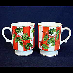Pair Lefton Christmas Holly Footed Coffee Mugs (Image1)