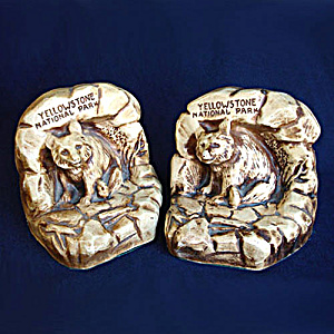 Yellowstone Park Souvenir Chalkware Bear Bookends (Image1)
