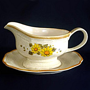 Mikasa Sunny Side Garden Club Gravy Boat with Underplate (Image1)