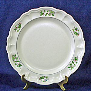 Pfaltzgraff Christmas Heirloom Dinner Plate, 3 Available