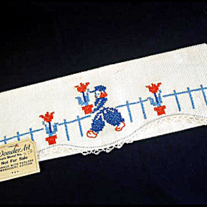 1940 Salesman Sample Embroidered Dutch Boy Fingertip Guest Towel (Image1)