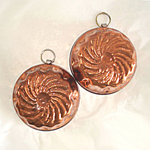 Pair of Copper Candy or Miniature Swirl Molds (Image1)
