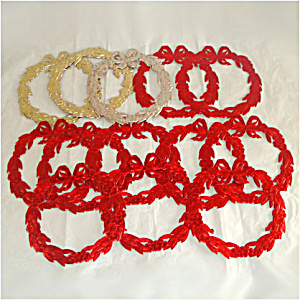 13 Die Cut Foil Paper Scrap Christmas Wreaths 6 Inches (Image1)