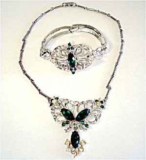 Demi Parure Stylized Butterfly Emerald Rhinestone Necklace Bracelet  Set (Image1)