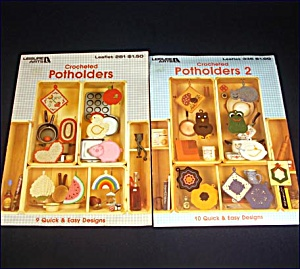 2 Leisure Arts Crocheted Pot Holders Instruction Booklets (Image1)
