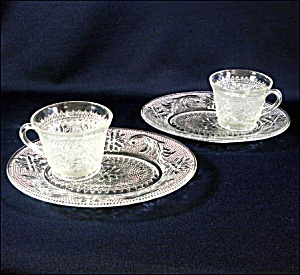 Pair Indiana Sandwich Glass Crystal Snack Sets (Image1)