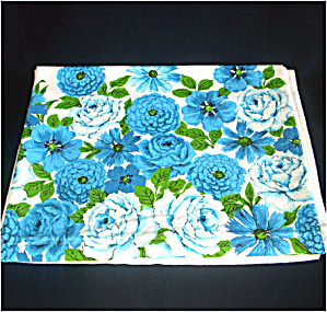 Dramatic Bold Blue Flowers Vintage Cotton Tablecloth (Image1)