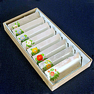 Box 1940s Painted Flowers Mirrored Glass Place Cards (Image1)
