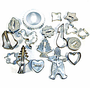Lot 18 Aluminum and Tin Vintage Cookie Cutters (Image1)