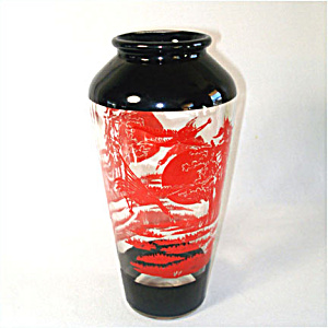 Glass Red and Black Oriental Style Crane Scene Vase (Image1)