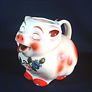 Shawnee Smiley Pig Water Pitcher Gold Trim (Image1)