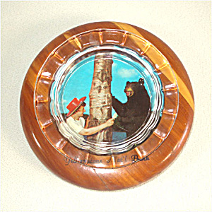 Yellowstone Park Souvenir Glass and Wood Picture Ashtray (Image1)