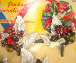 Click to view larger image of 1940s Christmas Package Mercury Beads Corsage Trims on Card (Image4)