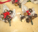 Click to view larger image of 1940s Christmas Package Mercury Beads Corsage Trims on Card (Image5)