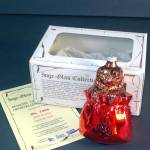 Click here to enlarge image and see more about item 11216: Inge Dog in Bag 1982 Glass Christmas Ornament Mint in Box