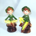 Click here to enlarge image and see more about item 11234: 1950s Enesco Kitchen Pixie Salt and Pepper Shakers