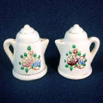 Click here to enlarge image and see more about item 11511: Flowered Coffee Pot Japan Ceramic Salt Pepper Shakers