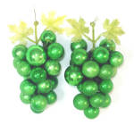 Click here to enlarge image and see more about item 11617: Decorative Green Glass Grape Clusters