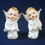 Click here to enlarge image and see more about item 11783-4: Pair 1950s Artmark Singing Angels Figurines Christmas