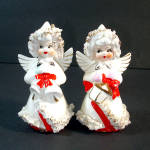 Click here to enlarge image and see more about item 11930: 1950s Ceramic Spaghetti Angels Christmas Salt Pepper Shakers