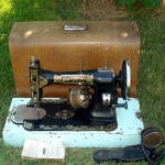 Click here to enlarge image and see more about item 12097: Antique White Rotary 1913 Sewing Machine With Oak Case