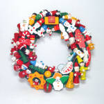 Click here to enlarge image and see more about item 13182: Wooden Christmas Ornament Wreath