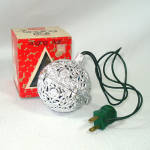 Click here to enlarge image and see more about item 13485: Electronic Chirping Bird Musical Christmas Ornament in Box