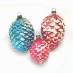 Click here to enlarge image and see more about item 13516: 3 Japan Pine Cones Glass Christmas Ornaments