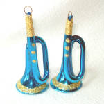 Click here to enlarge image and see more about item 13517: Glittered Blue French Horns Glass Christmas Ornaments