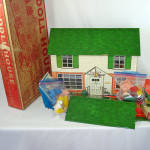 Click here to enlarge image and see more about item 13690: Marx 1953 Tin Litho Dollhouse Breezeway, Furniture, Original Box