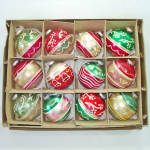 Click here to enlarge image and see more about item 13774: Box Shiny Brite 1950s Glittered Glass Christmas Ornaments