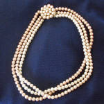 Click here to enlarge image and see more about item 13962: Triple Strand Tri Color Pink Beige Faux Pearl Necklace