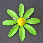 Click here to enlarge image and see more about item 14156: Green Yellow Daisy Flower Enameled Brooch Pin