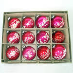 Click here to enlarge image and see more about item 14216: Box Shiny Brite Stencil Scene Glass Christmas Ornaments