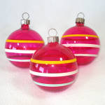Click here to enlarge image and see more about item 14236: Shiny Brite Unsilvered WWII Glass Christmas Ornaments