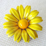 Click here to enlarge image and see more about item 14266: Yellow Daisy Enamel Flower Pin or Brooch