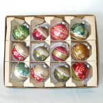 Click here to enlarge image and see more about item 14356: Box Shiny Brite 1960s Glittered Glass Christmas Ornaments
