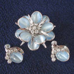Click here to enlarge image and see more about item 14475: Reis CRC White Gold Filled Blue Flower Brooch Earrings Set