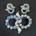 Click here to enlarge image and see more about item 14639: Coro Ice Blue AB Rhinestones Brooch Earrings Set