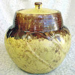 Click here to enlarge image and see more about item 2148: Gonder Cookie Jar