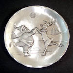 Click to view larger image of Wendell August Aluminum Christmas Plate Skating Santa and Reindeer (Image1)