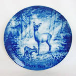 Click to view larger image of Doe and Fawn Blue and White 1971 German Mothers Day Plate (Image2)