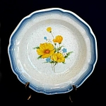 Click here to enlarge image and see more about item 4327: Mikasa Amy Vegetable Serving Bowl