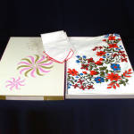 Click here to enlarge image and see more about item 8243-3: Stevens Simtex Red Blue Flowers Tablecloth Set In Box