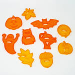Click here to enlarge image and see more about item 9236: Set Transparent Orange Plastic Halloween Cookie Cutters