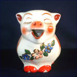 Click to view larger image of Shawnee Smiley Pig Water Pitcher Gold Trim (Image2)