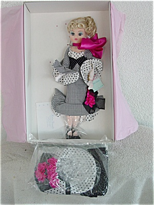 Madame Alexander Coco Bell Epoque Doll with 2 Outfits 1998 (Image1)