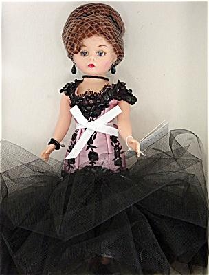 Madame Alexander Celebrates American Design Doll 2000 (Image1)