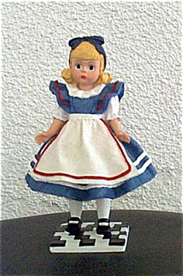 Madame Alexander Alice Resin Figurine 1999 (Image1)